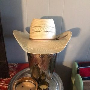 Like new Resistol straw cowboy hat